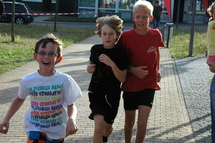 Staufenberger Kinder laufen beim Spendenlauf eine tolle Summe ein