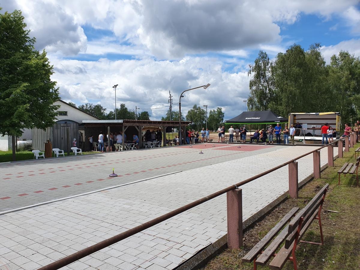 Eisstockbahn mieten