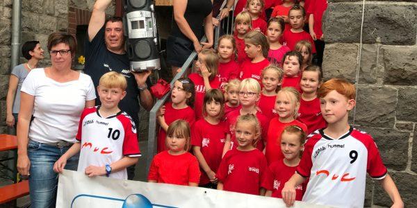 Jugenförderverein spendet neue Musikanlagen für Jugendtanzgarden
