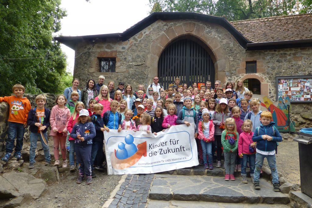 TV Mainzlar Jugend erkundet die Ronneburg